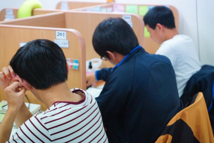 독서실 공부모습
